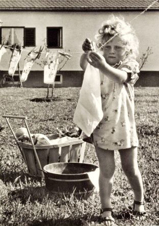 +~+~ Vintage Photograph ~+~+ Laundry day is serious business!: