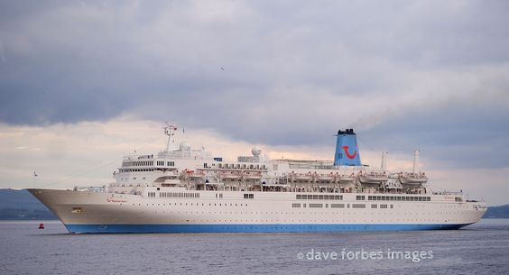 Cruise Ship THOMSON SPIRIT On Evening Departure From Greenock By - Cruise ships at greenock