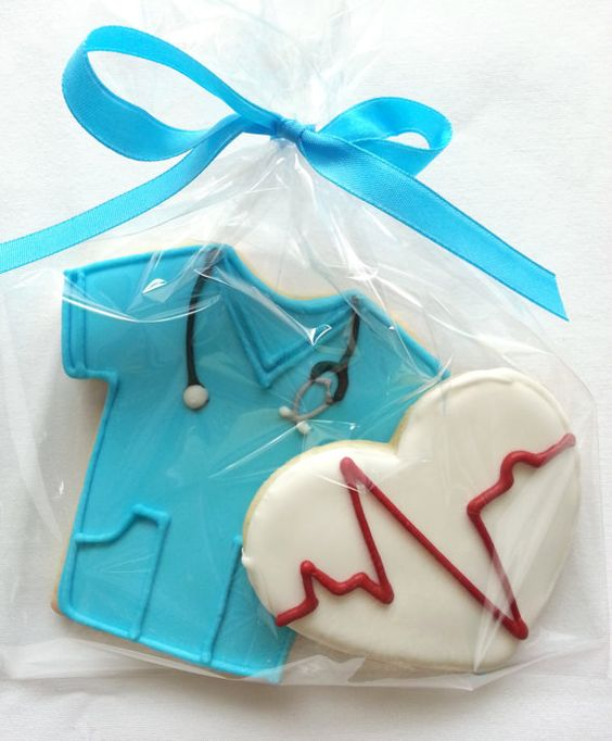 Doctor or Nurse Blue Scrubs Cookie Party Favors-Although I am not a nurse or doctor yet, these are so cute!