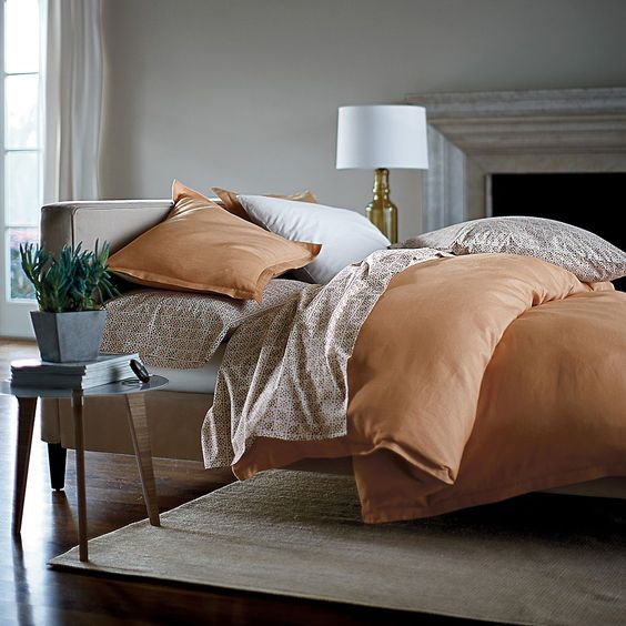 Dress your bed in casual style with our beautiful solid Weekender comforter cover and matching sham. Woven from soft and smooth yarn-dyed cotton that's been garment washed for a relaxed look, our Weekender comforter cover and shams just get softer and better over time.
