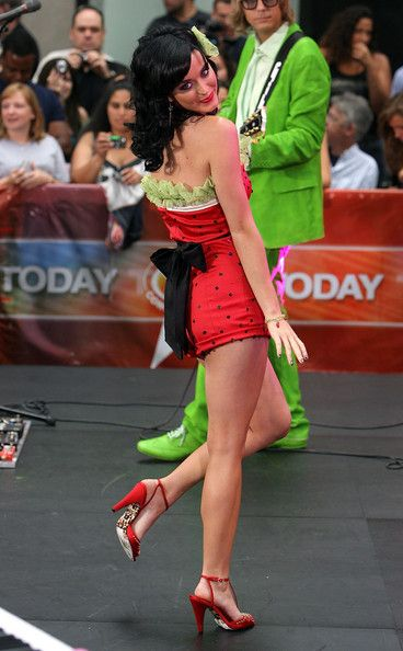 "Katy Perry Photo - Katy Perry Performs On NBC's ""Today"" (2008)"