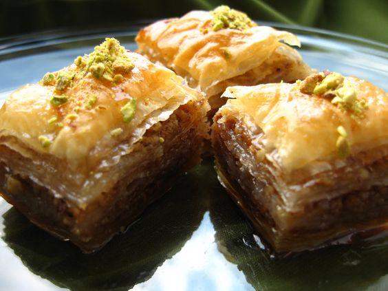 Baclava turceasca: Andreea S Chinesefood, Baclava Turceasca, Arabic Sweets, Romanian Recipes Old, Belly Desserts, Sweet Food, Food Drink, Baklava Turceasca, Desserts Sweet