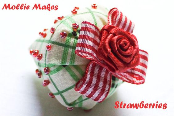 3M: Mollie Makes Strawberries by Sewing Daisies