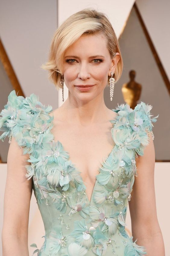 Cate Blanchett stuns at the 2016 Oscars