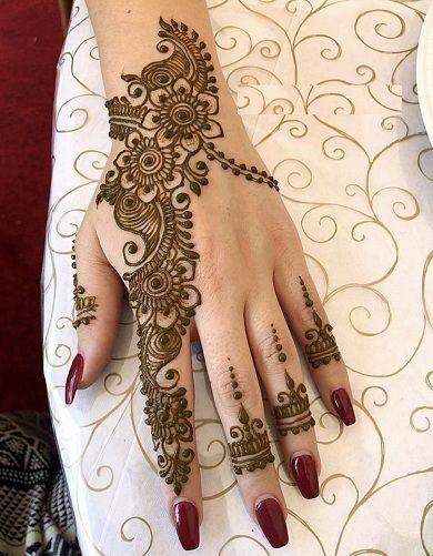 Alluring Mehndi Design