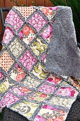 Rag quilt with Grey Minky