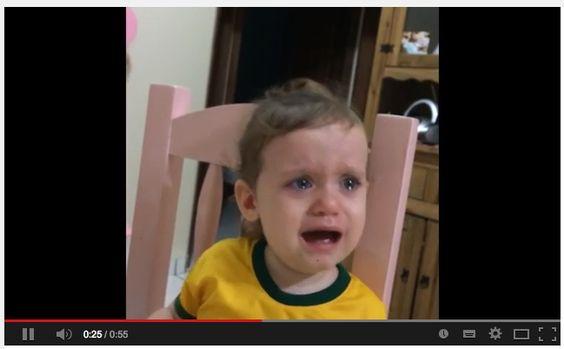 HERZZERREISSEND Kind weint bitterlich, weil Neymar verletzt ist