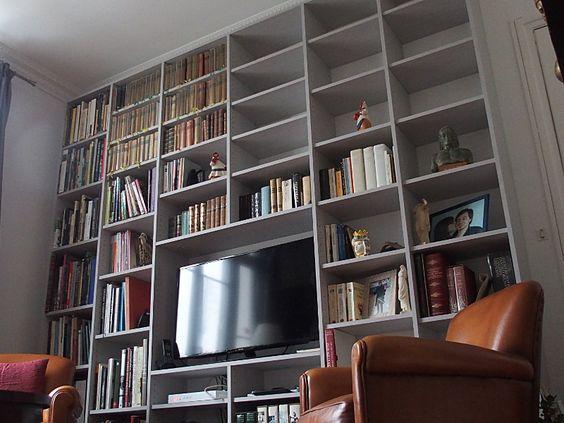 Les dressings et bibliothèques de la Menuiserie VARIN sont réalisés dans les règles de l'art, et pour s'adapter au mieux à toutes vos envies, ils sont entièrement réalisés sur mesure. En bois massif, mélaminé ou stratifié.