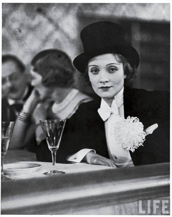 1929. Marlene Dietrich: