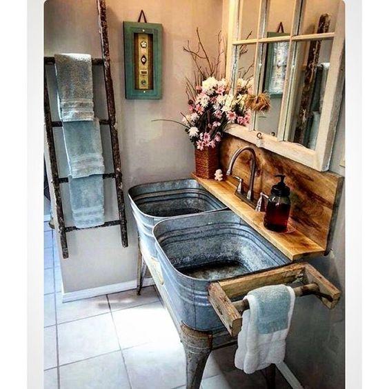 decoracao lavabo rustico : decoracao lavabo rustico:Muito amor por esse lavabo rústico! As cubas são de latão