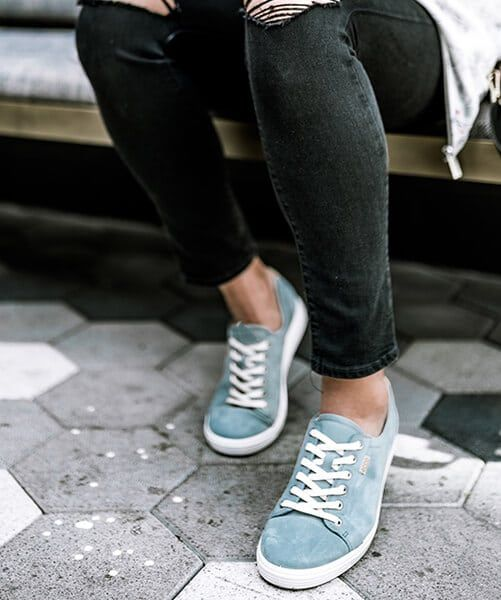 The Ecco Soft 7 Made Our Top 10 List Of Comfortable Travel Shoes Travel Wanderlust Sneakers Comfortable Travel Shoes Athleisure Fashion Sneakers Fashion