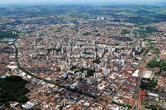 Conheça a cidade de Ribeirão Preto – SP.  Esta é uma das cidades mais ricas do interior de São Paulo, devido à sua histórica plantação de cana-de-açúcar, que gerava o álcool e fazia com que a cidade guardasse ainda mais...  Saiba mais >>> http://viagens.vejapixel.com.br/dicas/destinos/america-do-sul/brasil/conheca-a-cidade-de-ribeirao-preto-sp/
