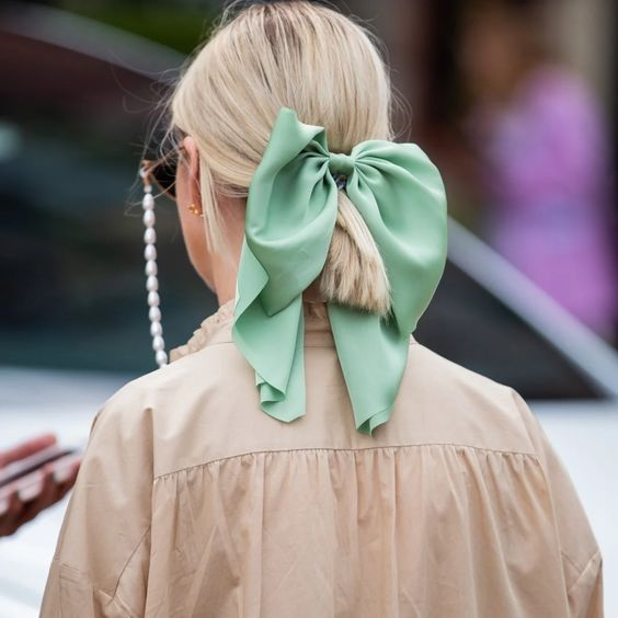 23 Best Hair Accessories for Spring 2020: Headbands, Scrunchies, and More | Glamour