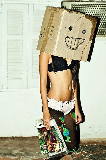 箱男(girl) aka.robot