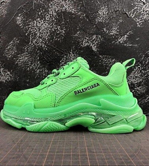 Elettrificare di Adelaide  Balenciaga Shoes- The Cool and Chunky Daddy Shoes   Green sneakers, Sneakers,  Balenciaga shoes