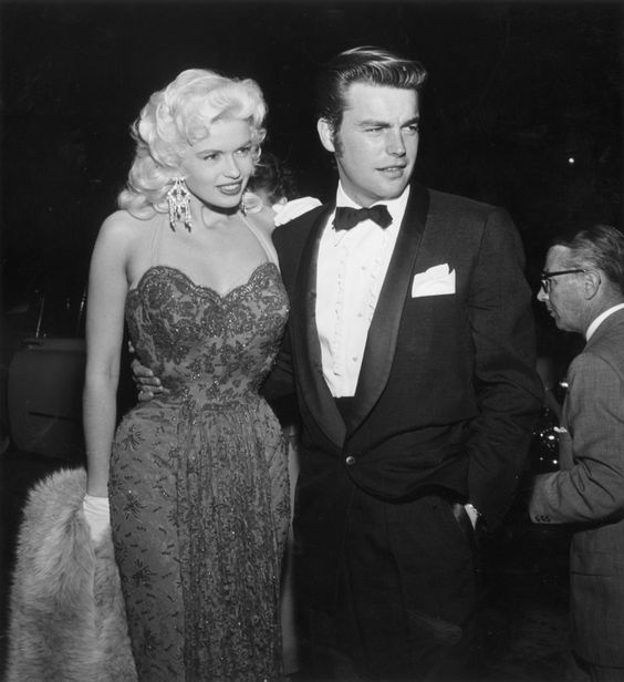 A Tribute To Jayne Mansfield, A Blonde Stunner Who Was Smarter Than You Thought (PHOTOS)