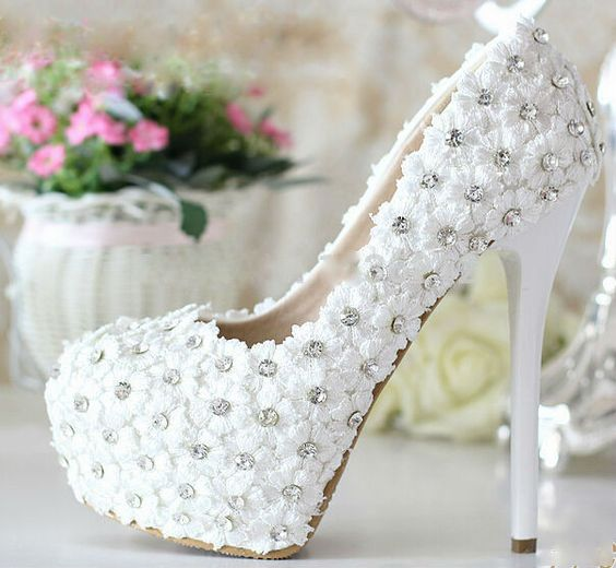 [تصویر: مدل کفش عروس]