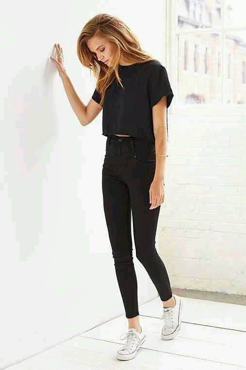 Black crop top. Black jeans. White converse. | FASHION
