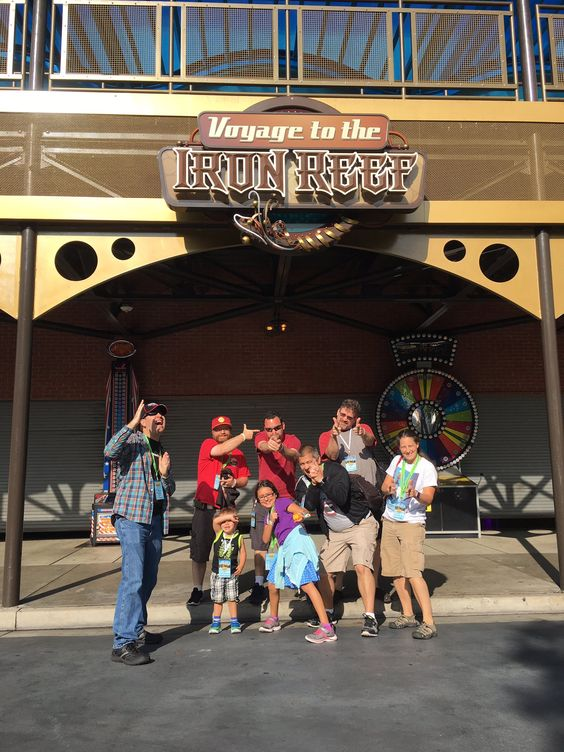 Help save the Boardwalk! Get to the Iron Reef! Shoot everything! @knotts #KNOTTSWCB https://t.co/rgKga9sc6v