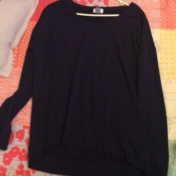 Old Navy sweatshirt Navy blue Light weight sweatshirt from Old Navy. worn few times! great condition! Old Navy Sweaters