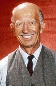 n acteur de petits rôles au cinéma et de plusieurs séries télévisées ( 145 épisodes de Green Acres, 152 épisodes de Petticoat Junction et 11 de The Beverly Hillbillies ) né le 8 septembre 1915, Susanville, California, USA et décédé le 08 juin 2012.