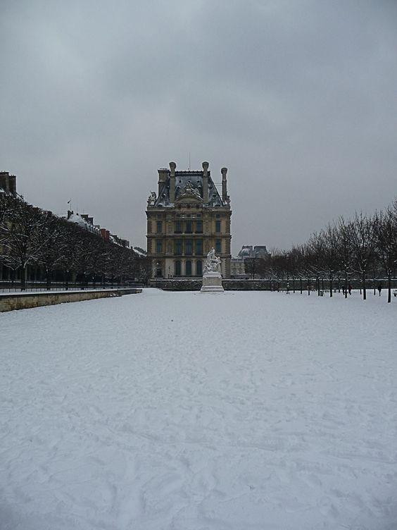 Paris sous la neige  http://www.pariscotejardin.fr/2013/01/paris-sous-la-neige/