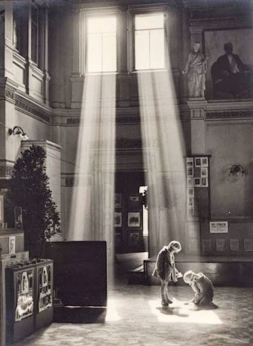 "Antoni Anatol Weclaswki ""Golden Streams"", Warsaw, 1928-1937"