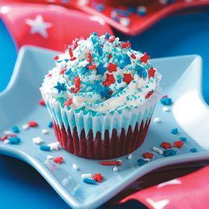 pretty 4th of July cupcake