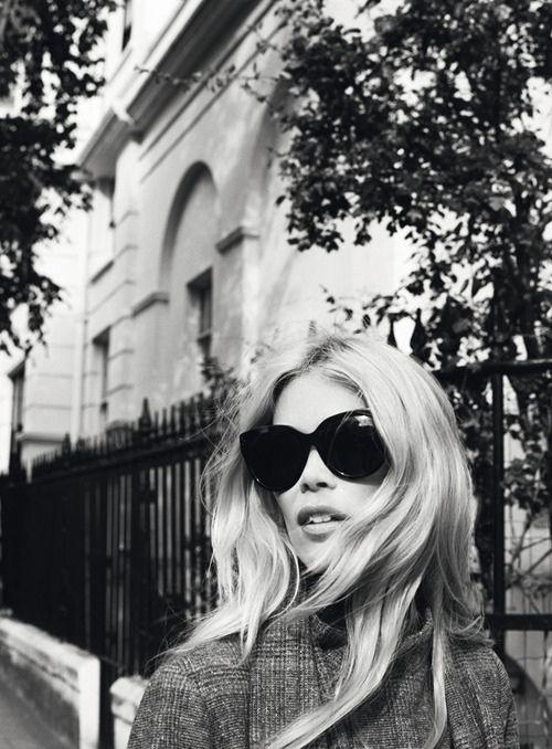 Claudia Schiffer + black sunglasses