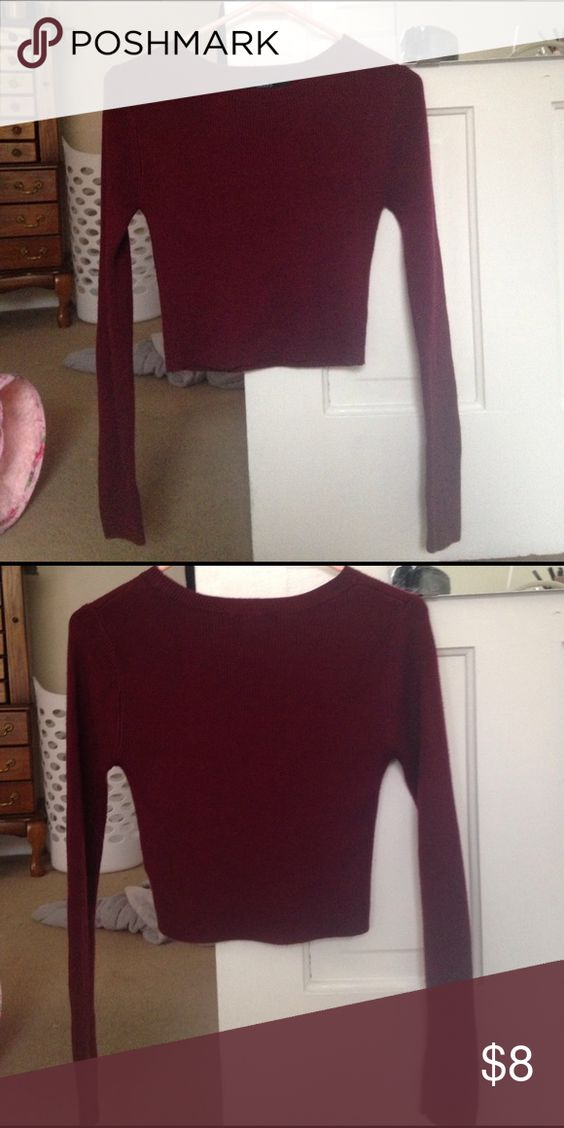Cropped sweater A burgundy cropped sweater from forever 21. Super stylish and only worn once Forever 21 Sweaters Crew & Scoop Necks