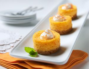Mini Carrot Cheesecakes {use gluten free cookies/crackers in crust}