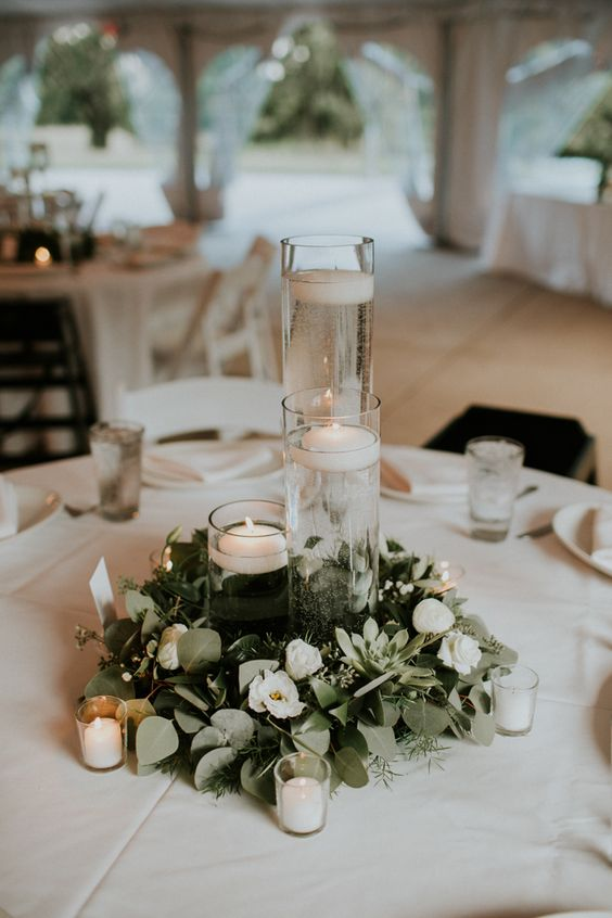 Minimalist and budget friendly wedding at oatlands for Contemporary table centerpieces