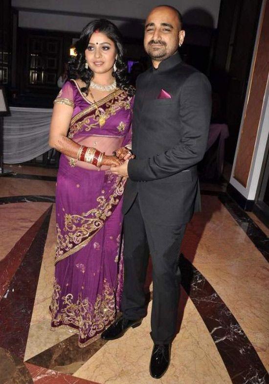Sunidhi Chauhan Wedding Pics Reception Photos And Marriage Album