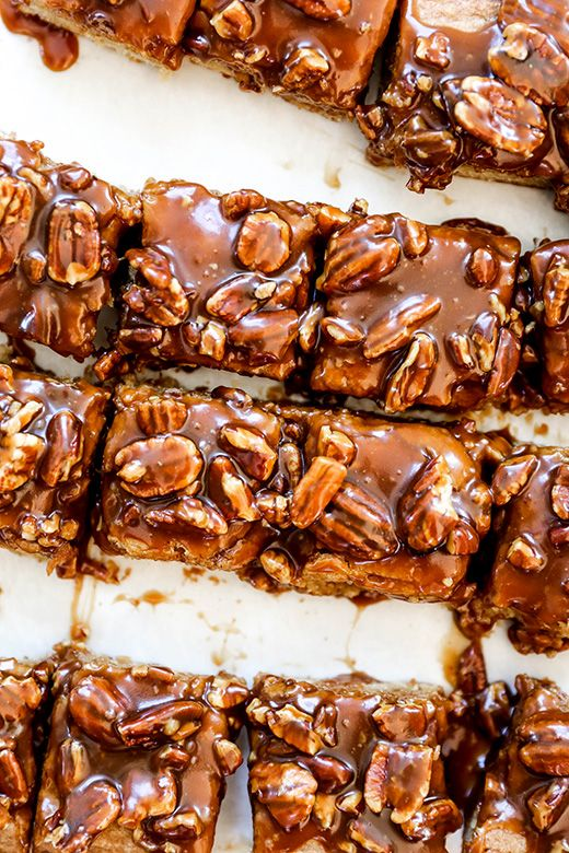 Thick And Chewy Blondies With Salted Caramel Pecan Topping Floating Kitchen Recipe Chewy Blondie Caramel Pecan Dessert Recipes Easy