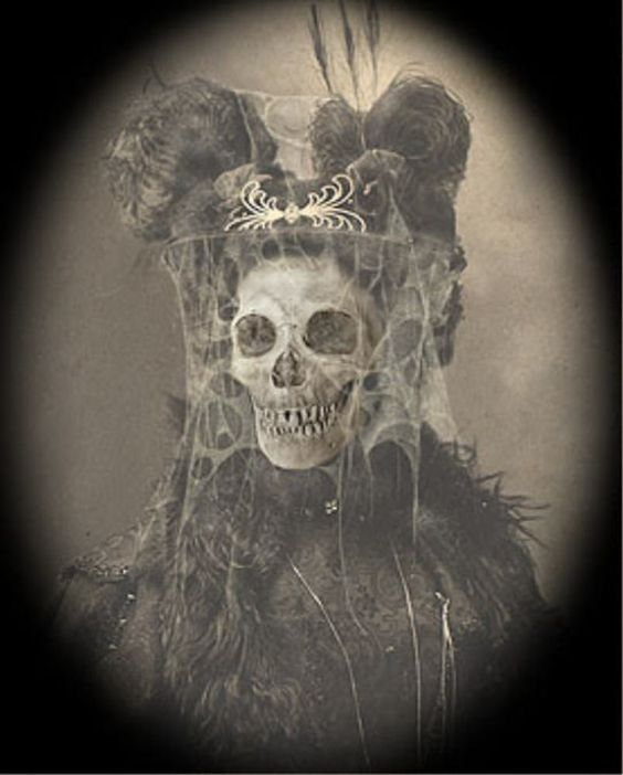 HAUNTED PORTRAITS ______________________________________ #Totenkopf #Skull #Porträt #Portrait