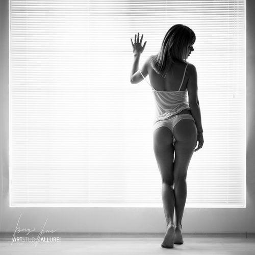 Leone nude act photography girl huge