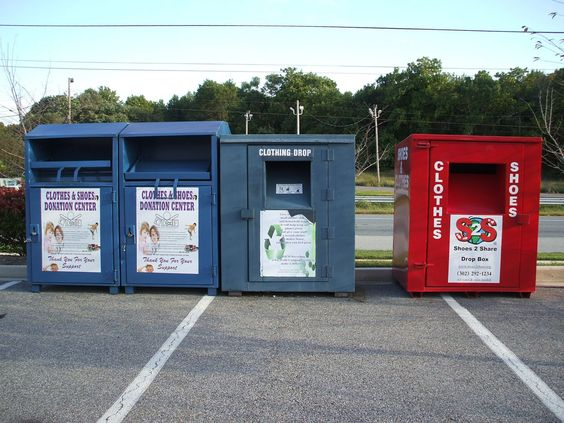 donation boxes.JPG (1600×1200)