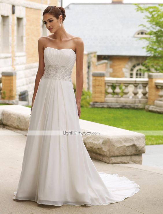 #Vestido de #boda con corte de #sirena. ¿Seria buena idea para una boda en la #playa? Encuéntralo aquí.