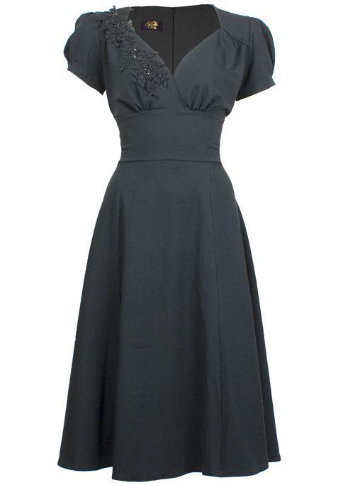 1940s Evening Dress - Victory Swing http://www.20thcenturyfoxy.com/en/1940s-fashion/1940s-evening-dress-victory-swing