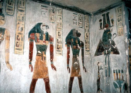 10 Most Fascinating Tombs in the World