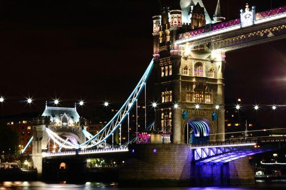 Tower Bridge, London, UK   Copyright @arpaboyuyol