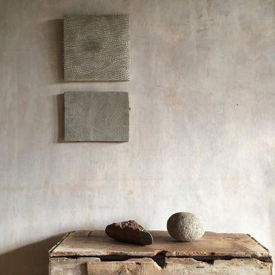 Wabi sabi minimal design brilliance in vignette by #AxelVervoordt with #abstractart #rusticdecor and #plasterwalls