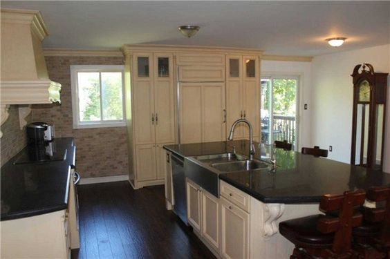 47 Alexander Blvd for sale in Jackson's Point, Georgina by Wayne Winch and Brenda Brouwer $524,900