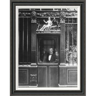 Global Gallery 'Paris, 1900 - Restaurant, rue des Blancs Manteaux' by EugÍÎne Atget Framed Painting Print Size: