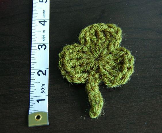 Free crochet shamrock pattern.