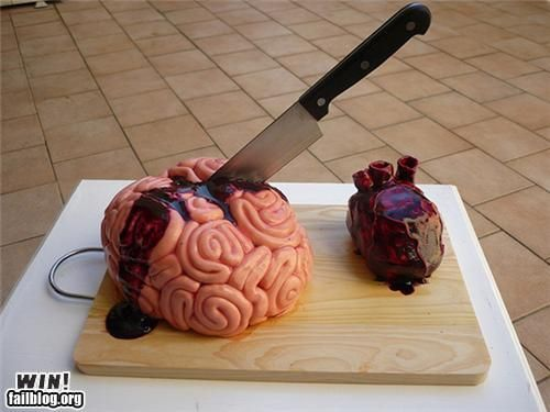 Brain and heart cakes. For you @Liv Osborne. I will make that for your birthday. ;p