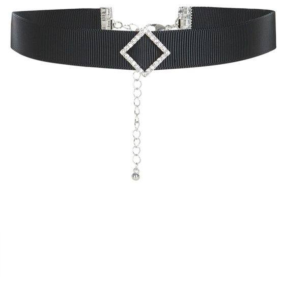 New Look Black Diamante Diamond Choker ($5.28) ❤ liked on Polyvore featuring jewelry, necklaces, black, diamante jewelry, diamond necklace, choker necklace, diamond jewellery and diamante necklace