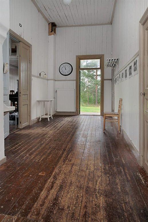 Worn rustc wooden floor hallway primitive shaker home Worn wood floors