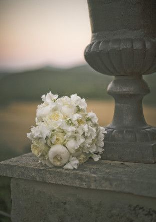 White Peonie Bouquet | Stylish Al Fresco Wedding in Tuscany | Divine Day Photography | Bridal Musings Wedding Blog