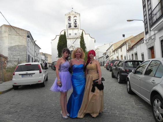 Las 3 mujeres de la familia vestidas por Milanoo, ¡¡causamos sensación en la boda!! Muchas gracias por todo, repetiremos para la próxima boda, que espero sea la mia.  El nº de pedido fué: es-sp_120308185257_215